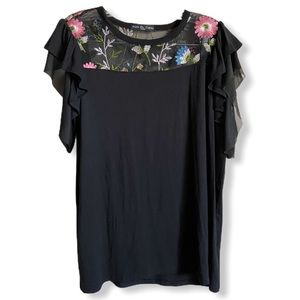 NWOT Kim & Cami Embroidered Mesh Blouse